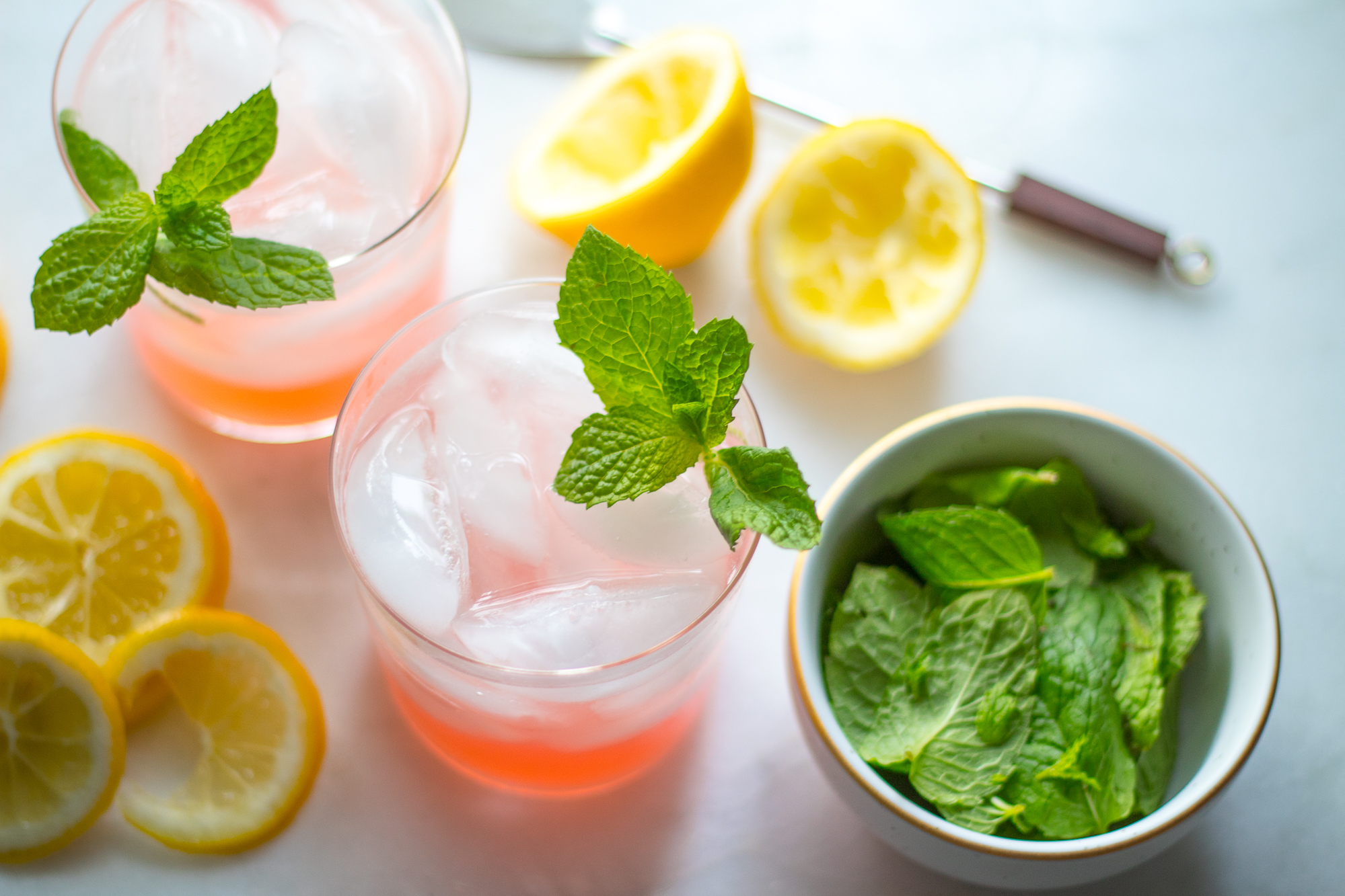 sparkling pink lemonade with vodka
