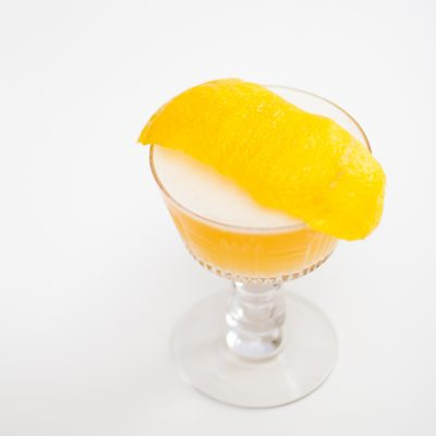 whiskey sour with egg