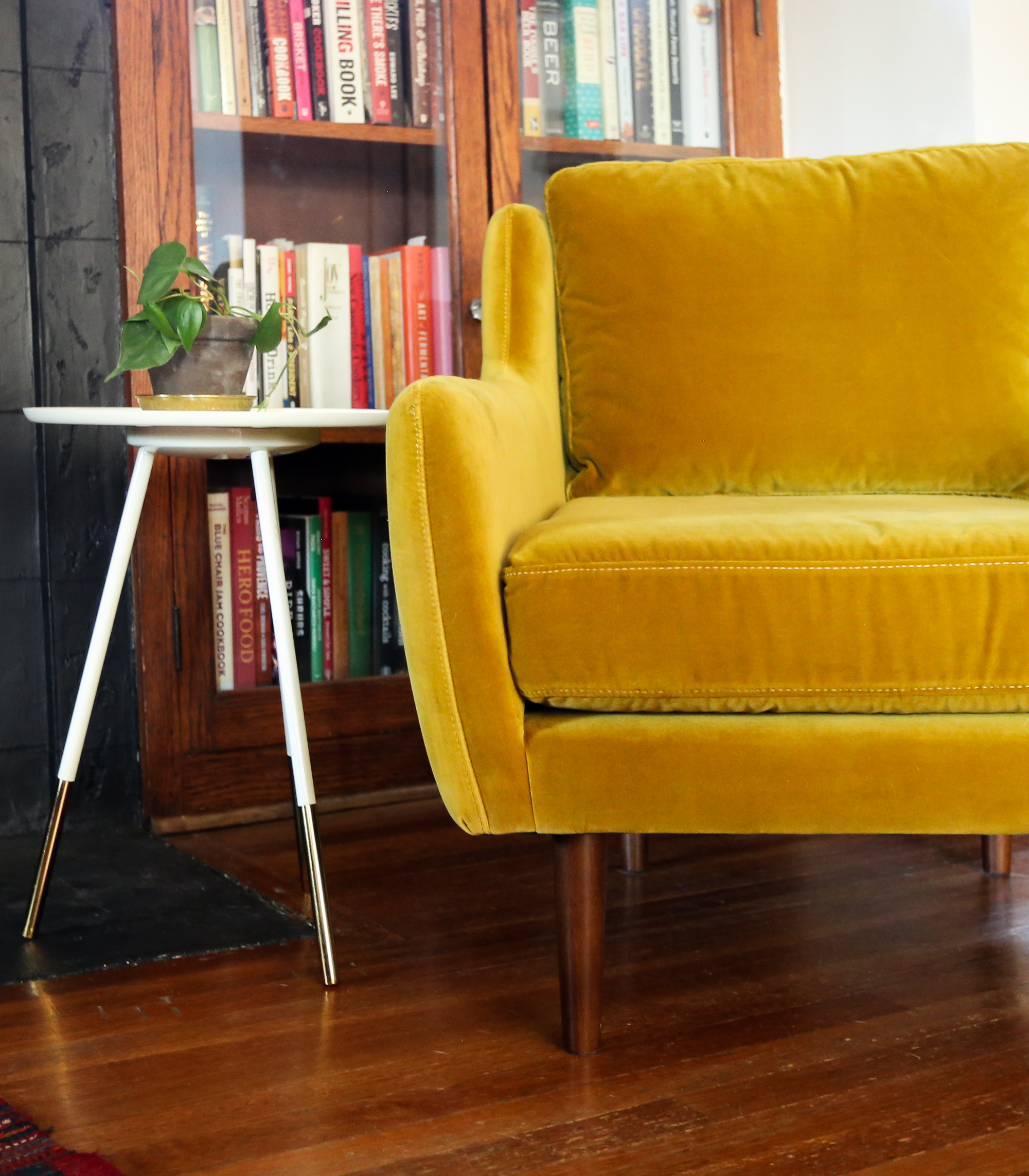 Picture of: This Gold Velvet Chair From Article Made My Living Room